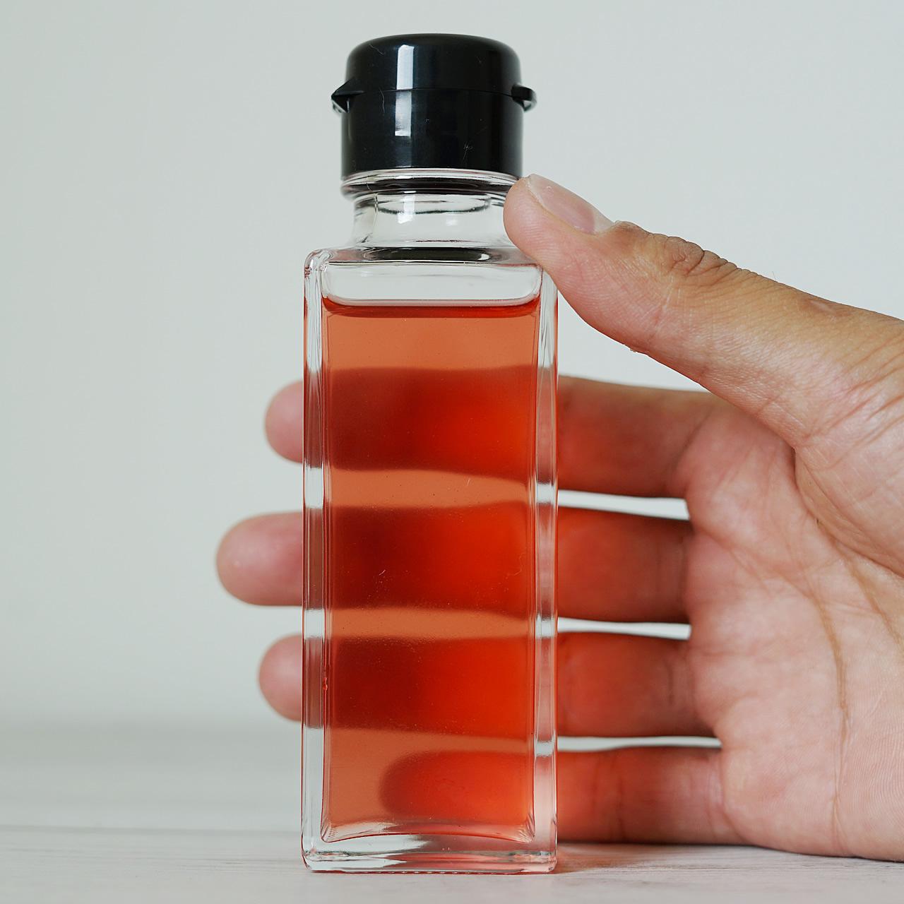 透明度が自慢の無添加のシソ梅酢